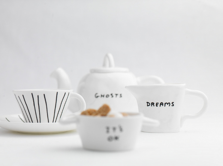 Shrigley teapot and accessories